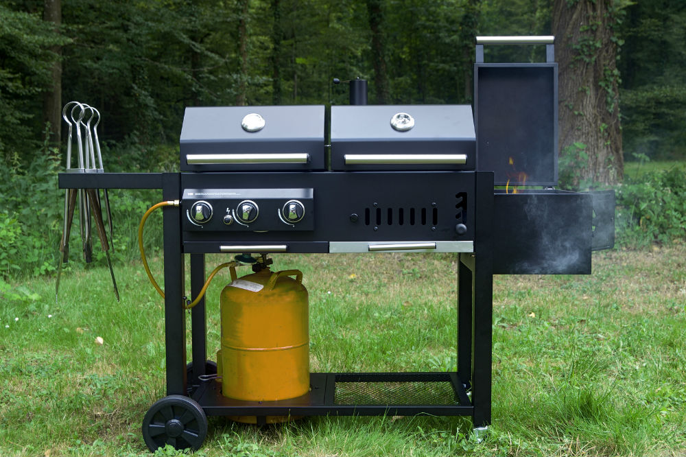 Best 3-Burner Gas Grill - Smoky Flavors